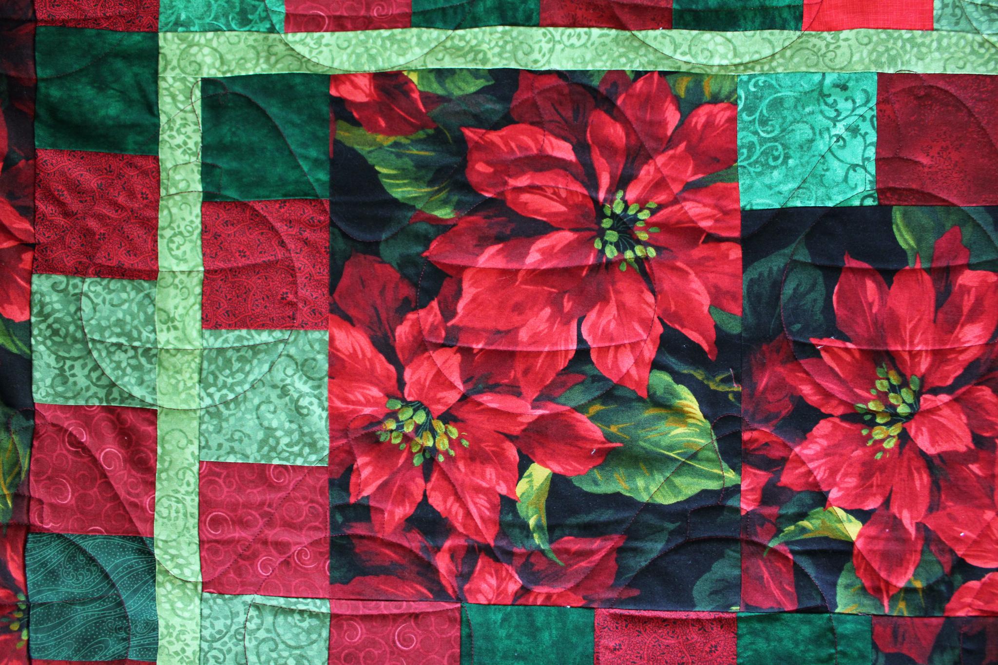 Christmas Poinsettia Quilt
