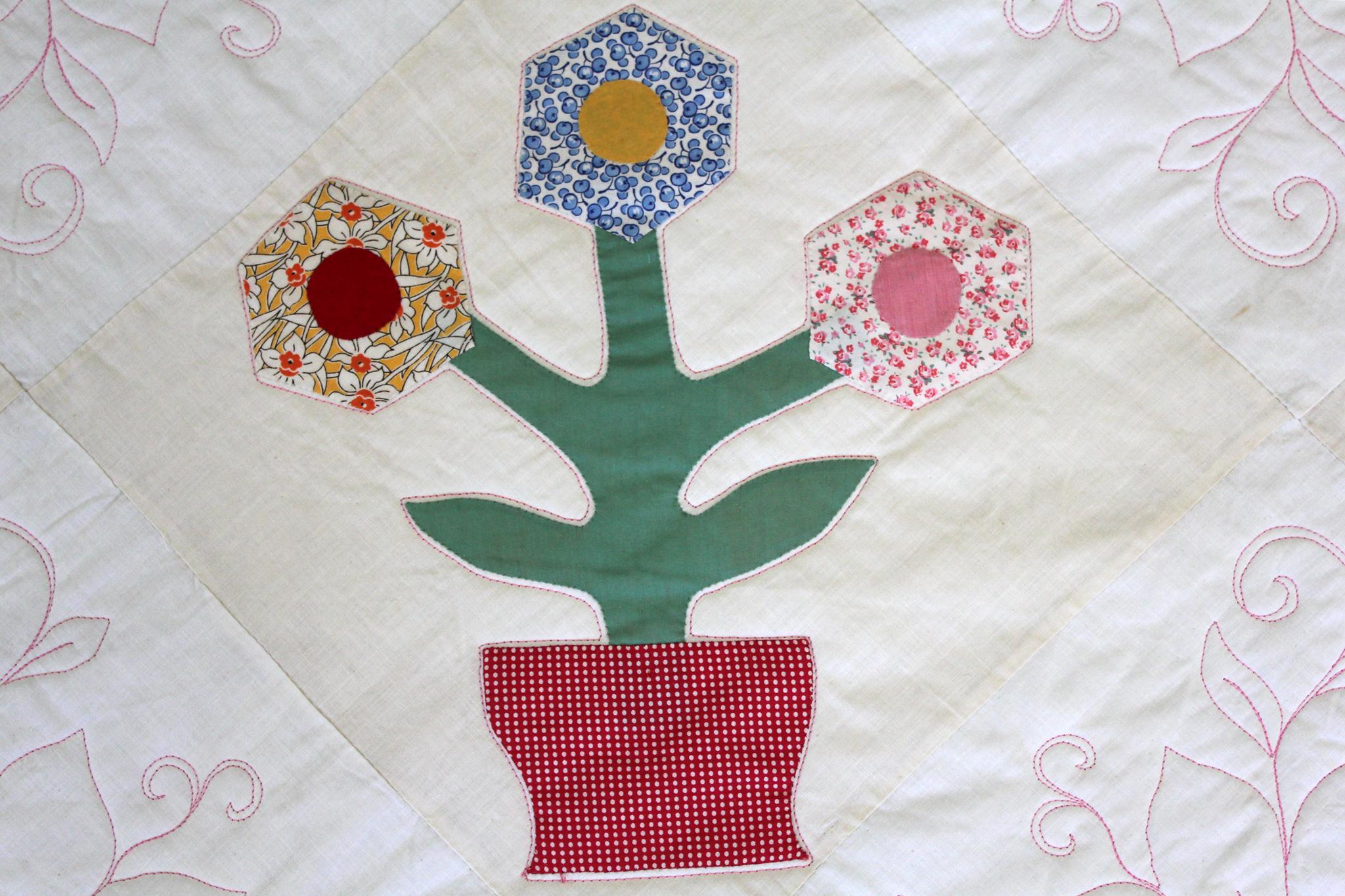 Appliqué Flowers Quilt