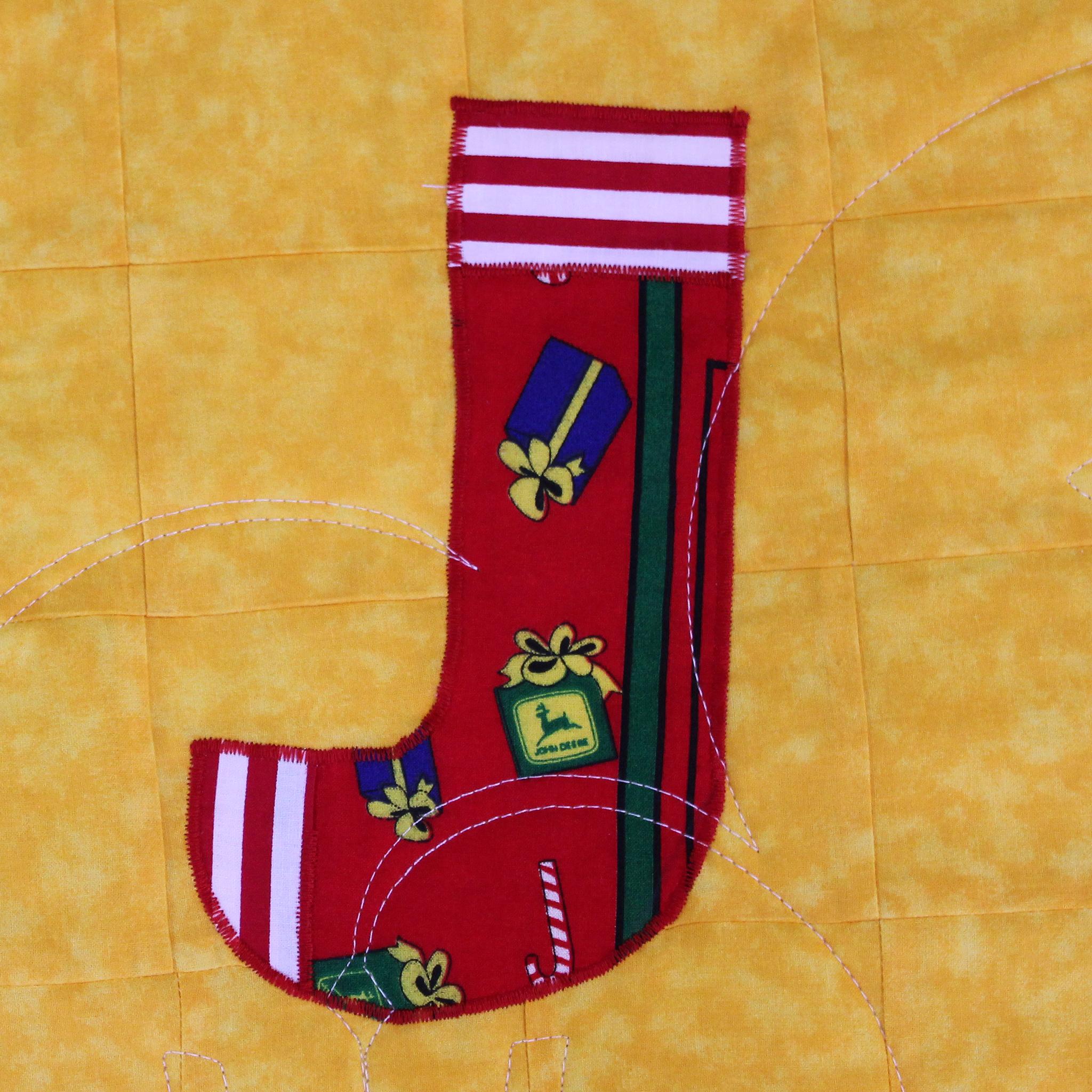 John Deere Christmas Tree Quilt   Lady Bird Quilts